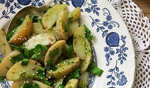 Ziemniaki w sosie z jarmużu. Prosta przekąska