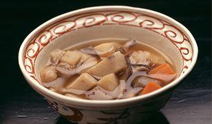 Klasyka japońskiej kuchni. Przepis na kenchinjiru – japońską zupę jarzynową