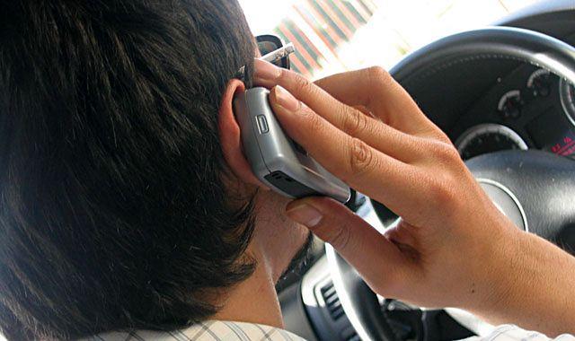 Małopolscy kierowcy lubią korzystać z komórek
