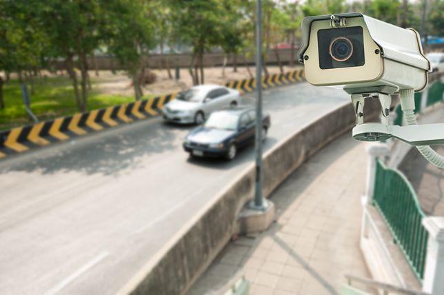 Kamera współpracuje razem z fotoradarem