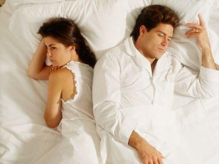 Dlaczego kobiety tracą zainteresowanie seksem? Połowa kobiet doświadczy spadku libido