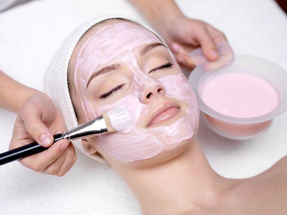 Zabieg C-Peel - wpływ witaminy C na skórę twarzy