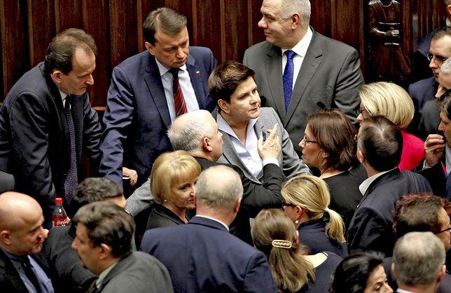 Beata Szydło przyznała sobie 65 tys. zł premii