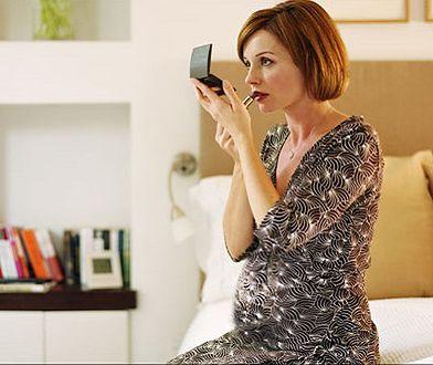 Jakich kosmetyków unikać w ciąży?