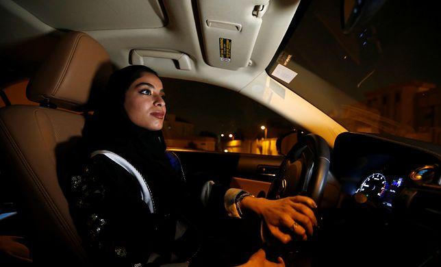 Majdooleen jest jedną z pierwszych Saudyjek, które otrzymały prawo jazdy