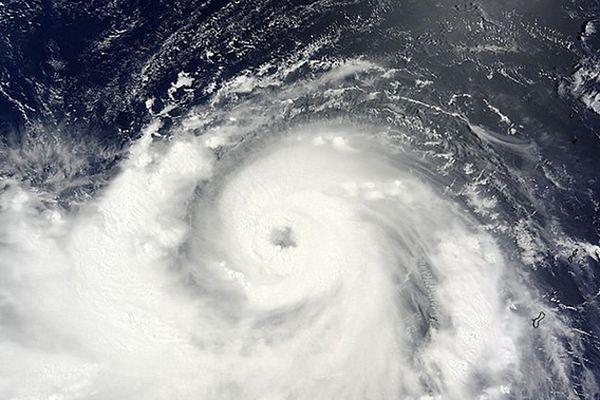Tajfun Nakiri uderzył w Japonię