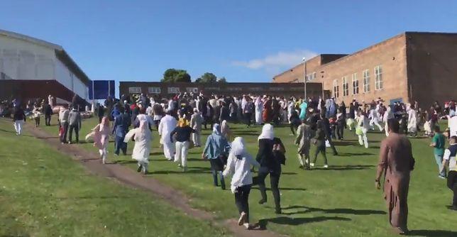 Samochód wjechał w grupę muzułmanów w Newcastle. Sześć osób jest rannych