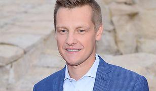 Marcin Mroczek modli się za himalaistów