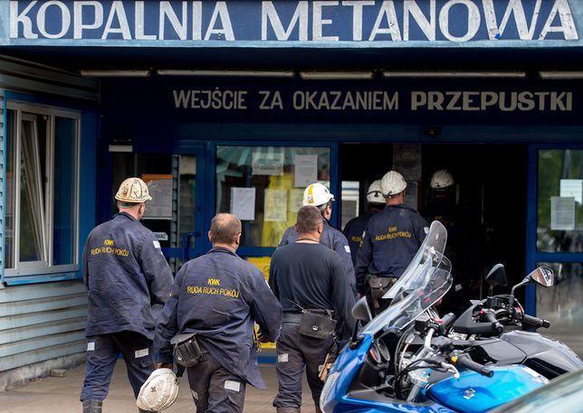W kopalni Zofiówka nadal trwa akcja poszukiwawcza