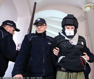 Eryk J. doprowadzany na posiedzenie aresztowe