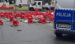 Rondo Obornickie w Poznaniu. Wypadły krzynki z piwem
