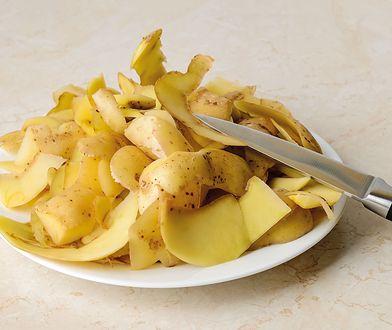 Skórka z banana, obierki ziemniaków. Na pewno je wyrzucasz