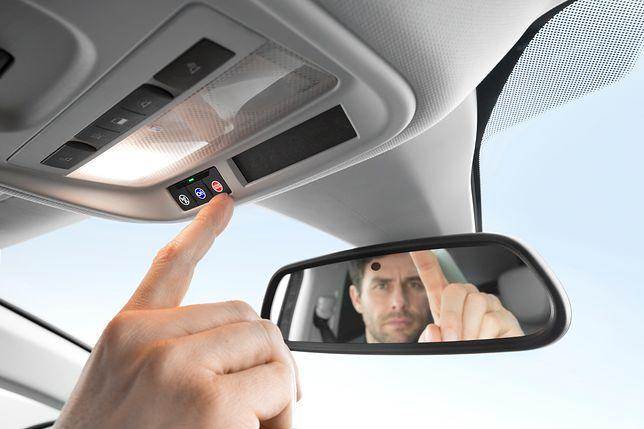 Niektóre auta kompaktowe pozwalają na wezwanie pomocy po wciśnięciu jednego przycisku