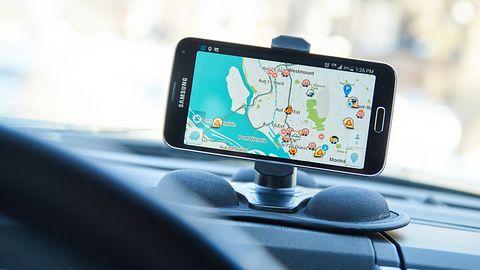 Mapy Google z najlepszą funkcją aplikacji Waze – nowość pozwoli zgłaszać kontrole prędkości