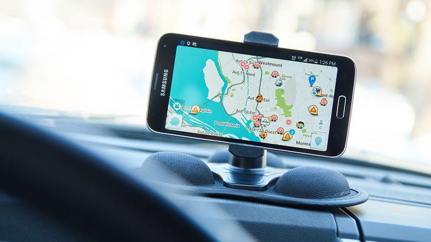 Mapy Google pozwolą raportować o sytuacjach na drodze. (depositphotos)