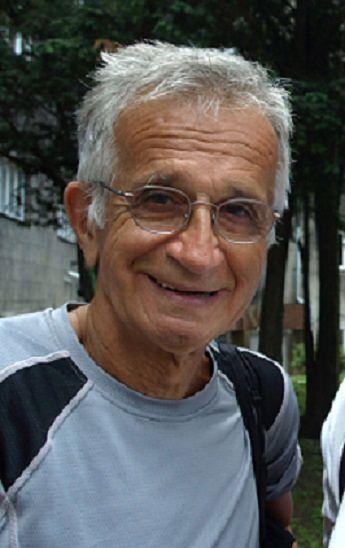 Jacek Fedorowicz to polski satyryk, najbardziej znany z Dziennika Telewizyjnego , autorskiego programu  lat 90'