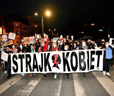 Strajk Kobiet we Wrocławiu. Mężczyzna popchnął dziennikarkę. Jest pierwszy zatrzymany