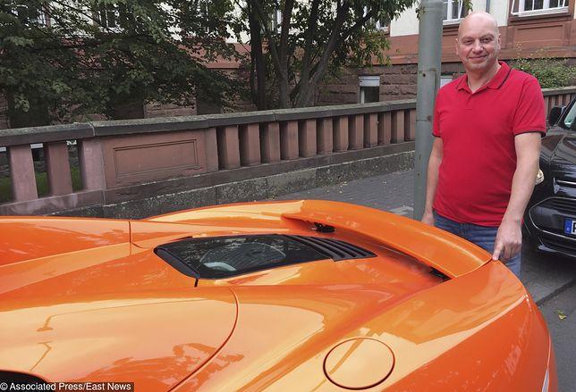 Markus Zahn przy swoim McLarenem