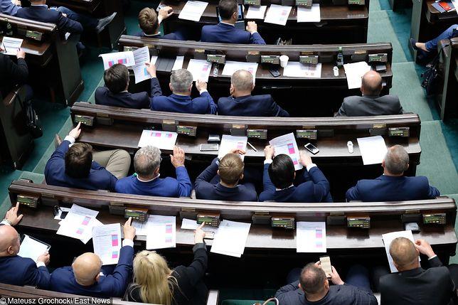 Posłowie pokazali rozliczenia. Rekordzista wydał na taksówki już 73 tys. zł.
