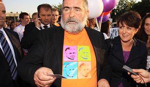 """Grał Siarę w """"Kilerze"""", potem śpiewał o Dudzie i wspierał Kaczyńskiego. Co się stało z Rewińskim?"""