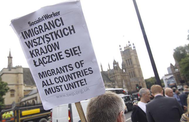 Protest Polaków pod parlamentem brytyjskim w Londynie