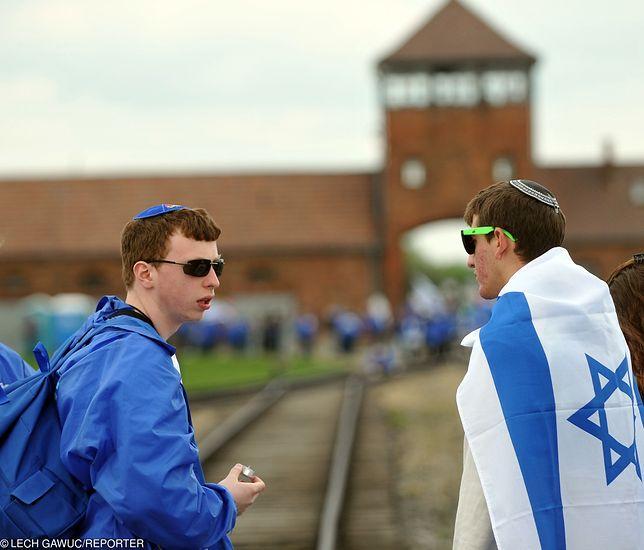 Mimo trudnych relacji polsko-izraelskich rekordowa liczba młodych osób z Izraela odwiedzi były nazistowski obóz w Oświęcimiu