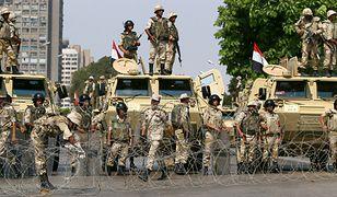 Żołnierze na ulicach Kairu