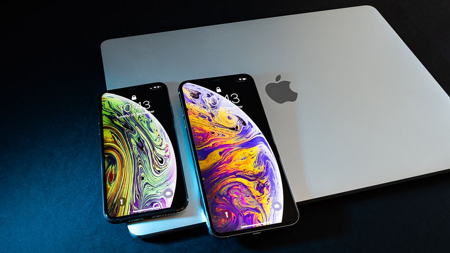 Według Apple ekran w iPhonie XR ma odpowiednią rozdzielczość. (depositphotos)