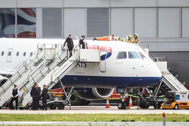 James Brown przykleił się do samolotu