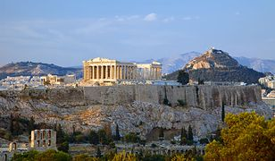 Widok na Akropol - w centrum Partenon