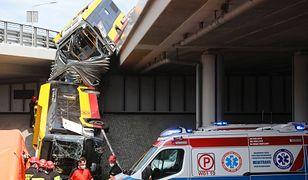 Wypadek autobusu w Warszawie. Nie było powodu, żeby autobus skręcał - uważa Wojciech Pasieczny, legendarny policjant warszawskiej drogówki