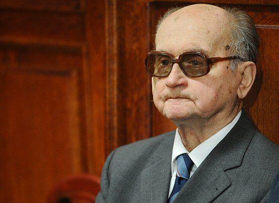 Jaruzelski: stan wojenny miał ochronić polską gospodarkę