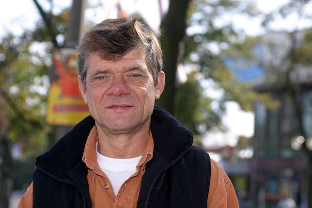 Henryk Gołębiewski dorabia, gdzie może.