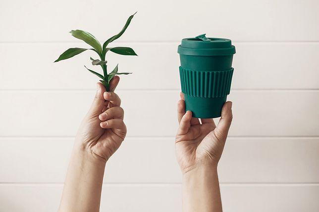 #ZielonyListopad. Zainwestuj w kubek wielorazowy