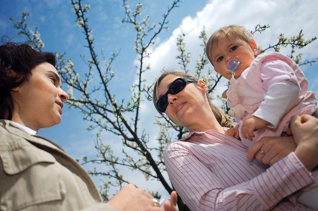 Dojrzalsze, bardziej zaradne i tolerancyjne. Starsze kobiety są lepszymi matkami?