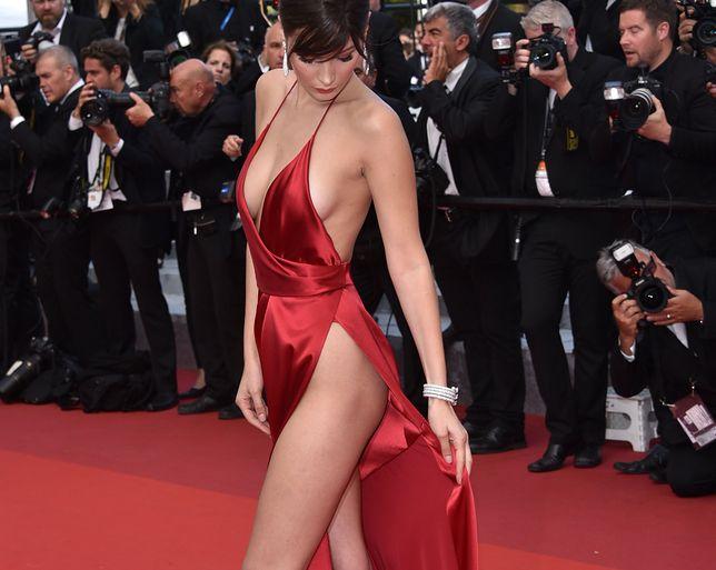 Bella Hadid w stroju kąpielowym. Wygląda obłędnie