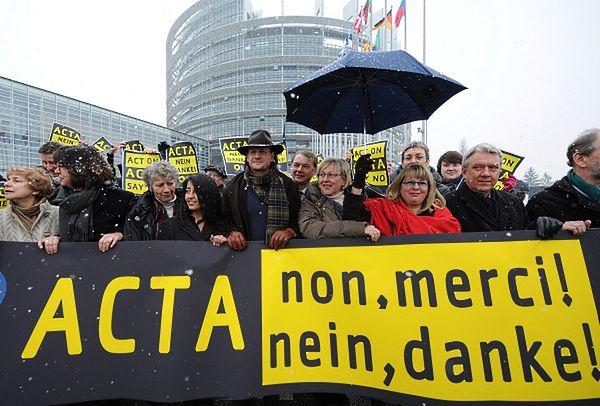 Protesty w Strasburgu przed Parlamentem Europejskim