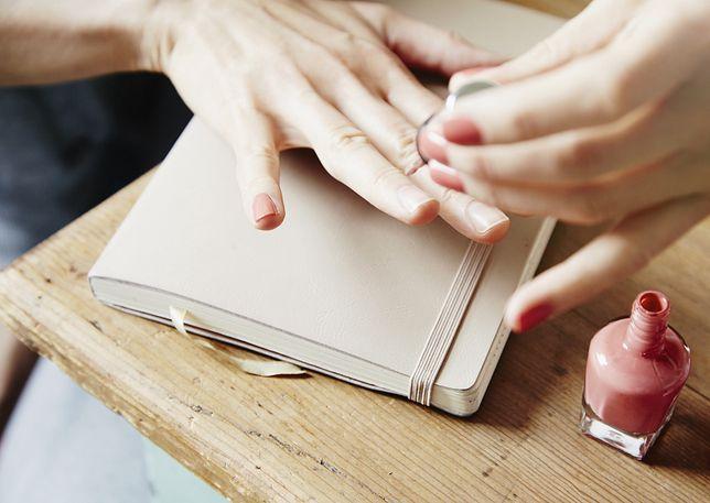 Szewron manicure wykonasz szybko i efektownie we własnym domu