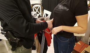 Warszawa. Policja zatrzymała 7 osób, w wieku od 17 do 43 lat, które miały handlować fałszywymi ubraniami i kosmetykami