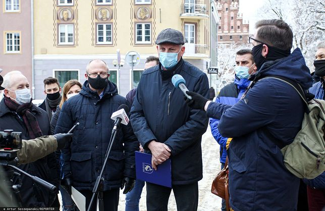Burmistrz Mikołajek na Mazurach przeciwny obostrzeniom