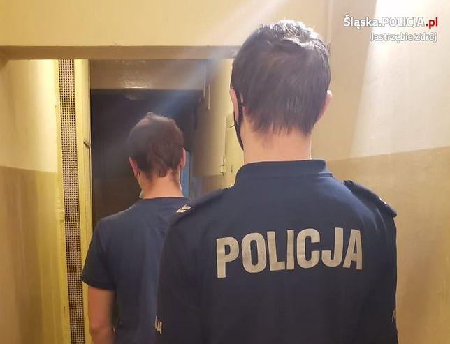 Śląskie. Policja ujęła 21-letniego mężczyznę, który z rozbitą butelką i nożyczkami napadł na mieszkańca Jastrzębia-Zdroju.