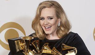 Adele ze statuetkami Grammy