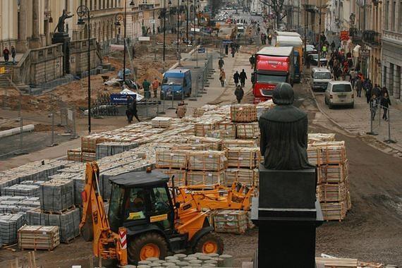 Krakowskie Przedmieście znów będzie rozkopane. Ostatni remont był… dwa lata temu
