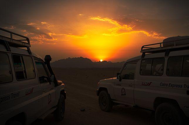 Jeepy na pustyni Egiptu
