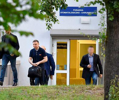 Andrzej Duda widziany przy szpitalu na Szaserów. Tam leżał Jarosław Kaczyński
