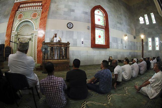 Muzułmanie w meczecie w Madrycie.