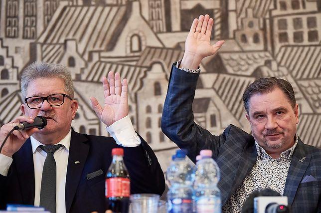 Tadeusz Majchrowicz, wiceprzewodniczący Solidarności i Piotr Duda, przewodniczący związku