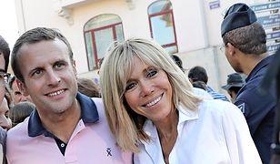 Emmanuel Macron napisał powieść o romansie z Brigitte? Żona jest od niego starsza o 24 lata!