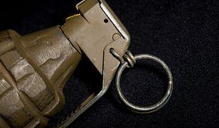 Sanok. Policja obezwładniła mężczyznę z granatem