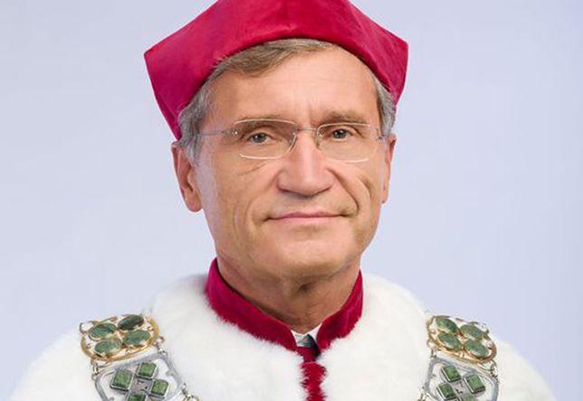 Szczepienia poza kolejnością. Rektor WUM przeprasza (WUM)